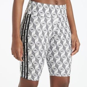 High waisted cycling-style shorts
